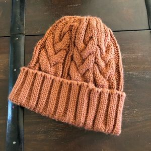 No label rust cable knit beanie